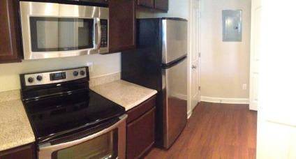 Luxury 1 bedroom apt. near UNCC available Dec 1st (or