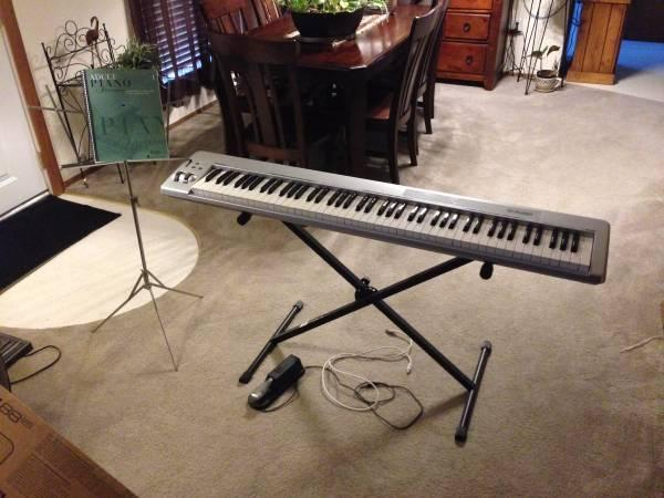 m audio keystation 88es with stand pedal midi controller piano for sale in fort wayne. Black Bedroom Furniture Sets. Home Design Ideas