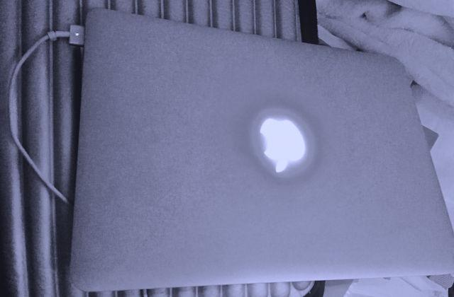 MacBook Pro 13 8GB only 800 - $800 WLA-Brentwood