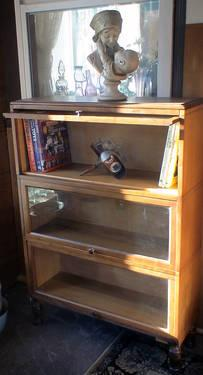 Macey 711 Oak Lawyers Bookcases 3 Shelf Sections Enclosed