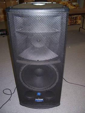 Mackie 1530 Powered Pa Speakers For Sale In Big Canoe