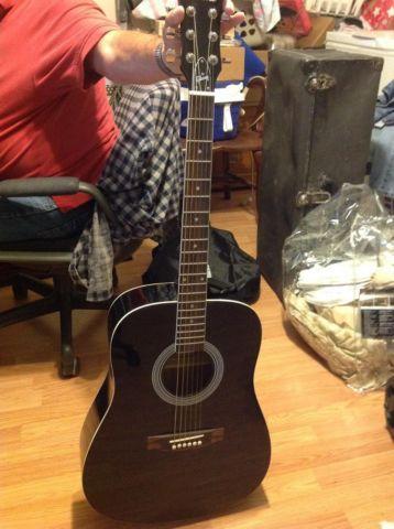 Maestro gibson black guitar