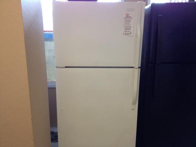 Magic Chef 19 cubic foot White Top Mount Freezer Refrigerator - USED