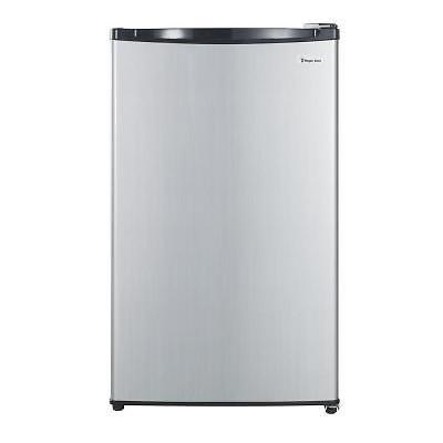 MAGIC CHEF 4.4 Cu. Ft. Mini-Refrigerator - NEW