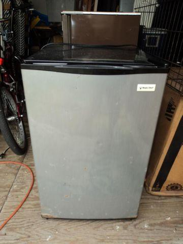 magic chef mini fridge 4 4 cu ft refrigerator for sale in saint cloud florida classified. Black Bedroom Furniture Sets. Home Design Ideas