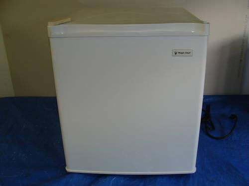 Man Cave Refrigerator For Sale : Beverage coolers vs the mini fridge beer storage for events