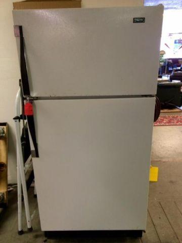 Magic Chef Refrigerator