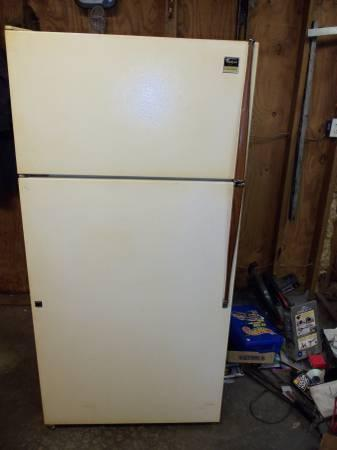 Magic Chef Refrigerator for sale - $175 guyton