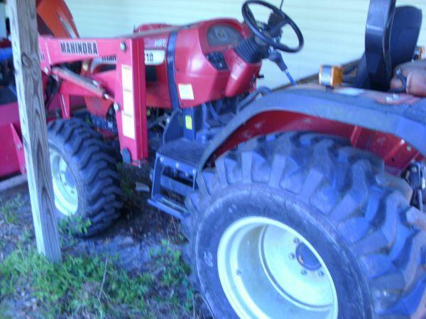 Mahindra Tractor - $11500 (Milton)