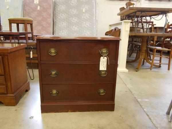 Mahogany 3 Drawer Chest For Sale In Greenwich Pennsylvania Classified