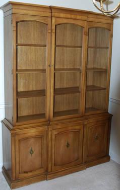 Mahogany Drexel China Cabinet Great Value For Sale In