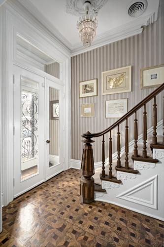 Majestic Lincoln Park Brownstone For Sale In Chicago