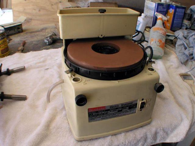 Makita 9820 2 Horizontal Wet Wheel Sharpener For Sale In