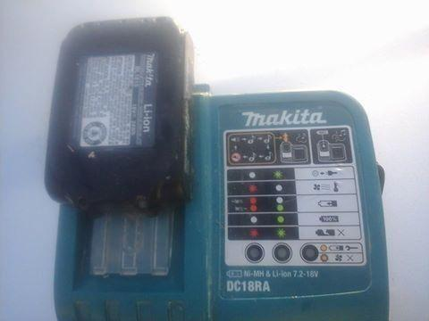 Makita DC18RA Li-ion battery charger w2 1815 batteries