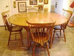MAPLE DROP LEAF TABLE/CHAIRS ANTIQUE MAPLE - $275