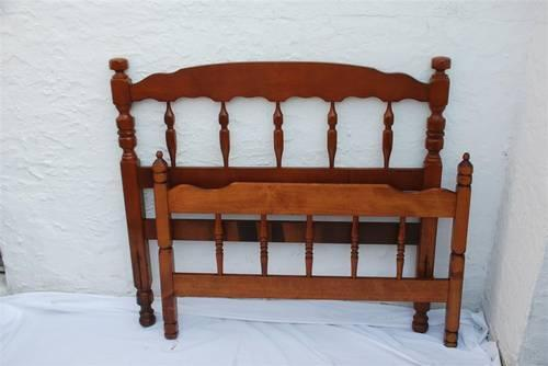 Maple Wood Twin Bed Headboard And Footboard Colonial Style