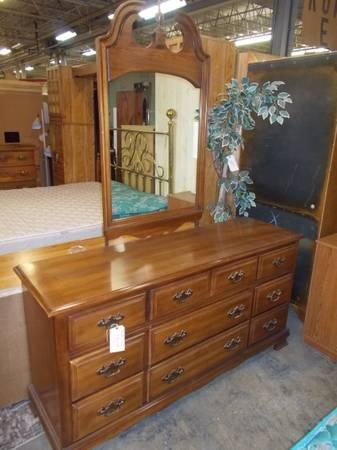 Maple Young Hinkle Dresser With Mirror For Sale In