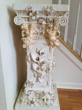 MARBLE TOPPED ACCENT TABLE