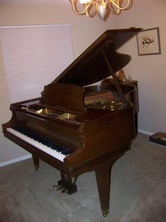 Mason hamlin baby grand piano for sale in greer idaho for How much space does a baby grand piano need