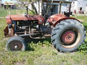 Massey Ferguson 135 - $1700 (Hollister)
