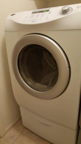 Maytag Neptune Washer front load and Gas Dryer