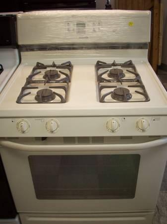 maytag off white gas range for sale in new bedford massachusetts classified. Black Bedroom Furniture Sets. Home Design Ideas