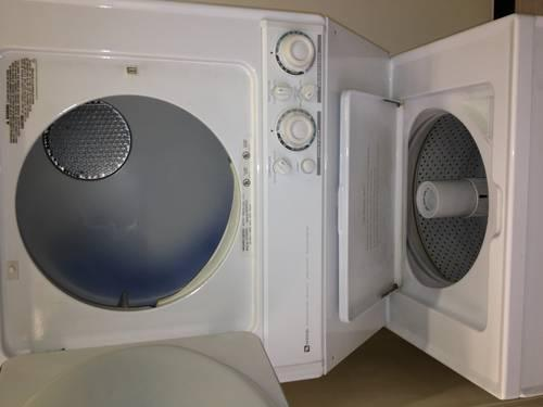MAYTAG STACK UNIT WASHER AND DRYER ELECTRIL 220V W 30 DAYS WARRANTY