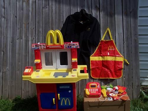 McDonald's child toy restaurant with apron, toy food, &