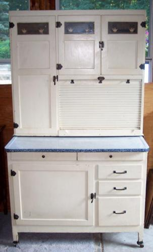 Superbe McDougall Hoosier Cabinet, Oak Painted White, Flour