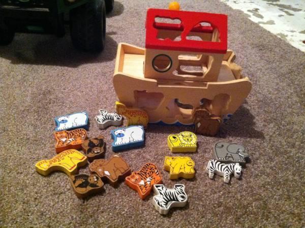 Melissa & Doug Noah's Ark Toy - $10