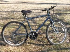 MEN'S CANYON RIVER Mountain Bike - $90 (Wichita)