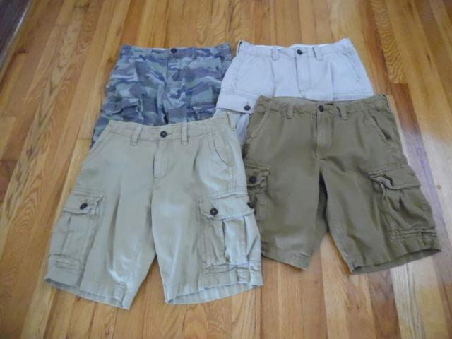 MEN'S CARGO SHORTS BY AMERICAN EAGLE Size 30 waist