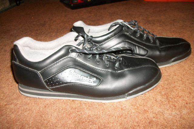 Mens Brunswick Black Bowling Shoes  Size 10 12