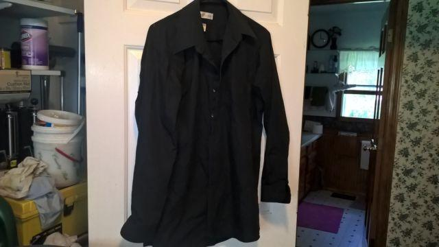 mens button down dress shirt van Heusen size 16 32/33