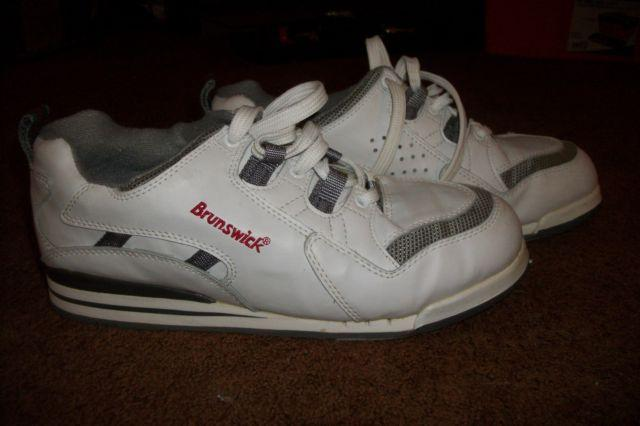 Mens White Brunswick Bowling Shoes  Size 9 12