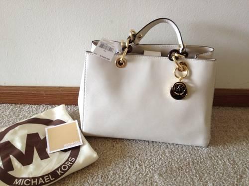 Michael Kors Cynthia Medium Satchel - Vanilla BNWT for sale in Hoffman  Estates, Illinois e83be640d7