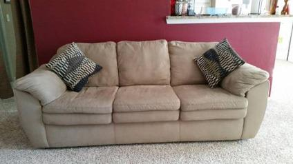 microfiber rooms to go beige sofa for sale in houston texas classified. Black Bedroom Furniture Sets. Home Design Ideas