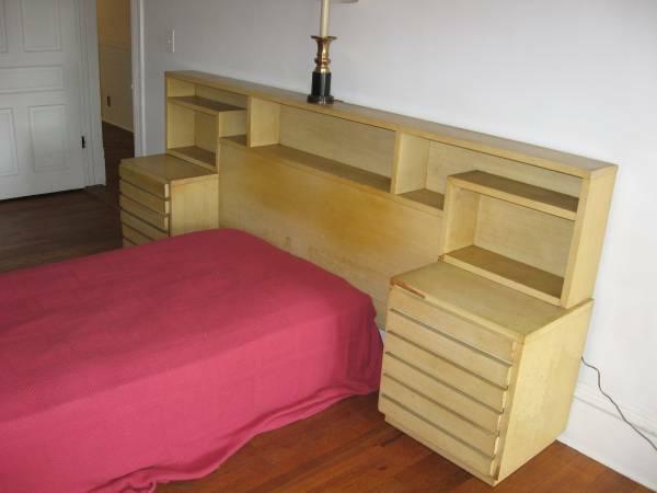 Mid Century Blonde Bedroom Set For Sale In Graham North