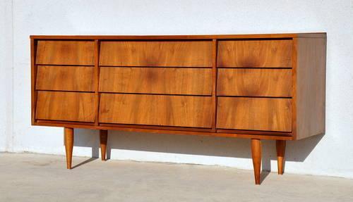 Mid century danish modern vintage triple dresser credenza for Broyhill american era bedroom furniture