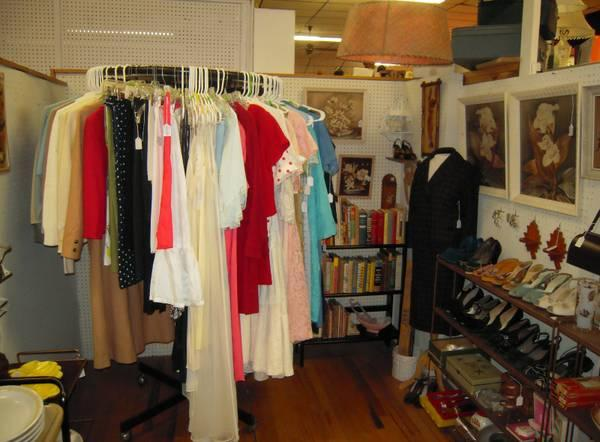 Mid-Century Housewares, Decor, Vintage Clothing - Booth 410, 20% Off ...