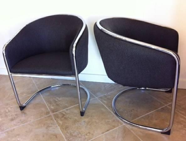 Mid Century Modern Chairs Remixologie For Sale In Austin