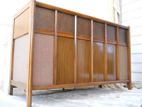 Mid Century Modern Console Stereo By Magnavox For Sale In Minneapolis Minnesota Classified