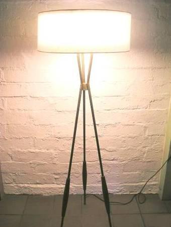 Midcentury Gerald Thurston Lightolier Tripod Floor Lamp