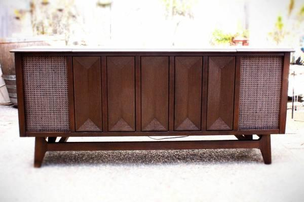 Midcentury Stereo Console Tv Stand For Sale In Pacifica