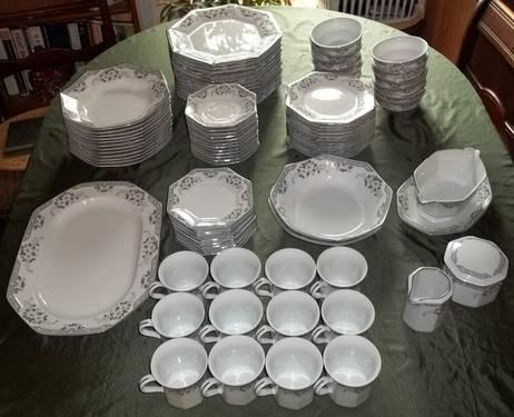 MIKASA FINE CHINA DANA COMPLETE DINNERWARE SETS MADE & MIKASA FINE CHINA DANA COMPLETE DINNERWARE SETS MADE IN JAPAN for ...