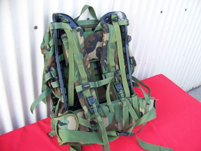 MILITARY BACKPACK U.S.A. WOODLAND CAMO GREEN