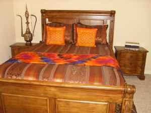 Mint Condition Queen 5 Piece Bedroom Set Also Includes
