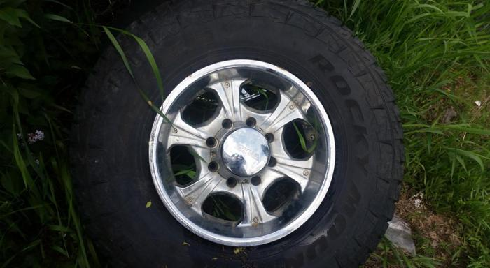 MKW RIMS 8 LUG WITH TIRES