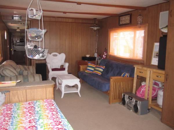 **Mobile Home @ Lake McConaughy** - $11000