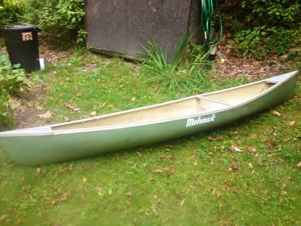 Mohawk 10' Solo FG Canoe with paddle - $150